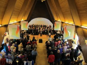 photo of Northlake congregation and choir